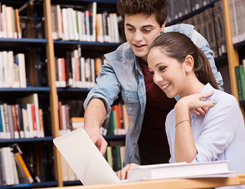 Students-in-library-at-computer